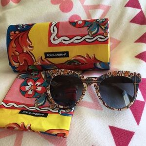 Dolce&Gabbana sunglasses with dust bag and case
